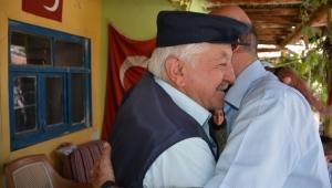 Başkan Bozkurt Şehit Ailelerinin Kurban Bayramını Kutladı