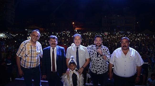 Dinar'da Toplu Sünnet, Zafer Bayramı Coşkusu