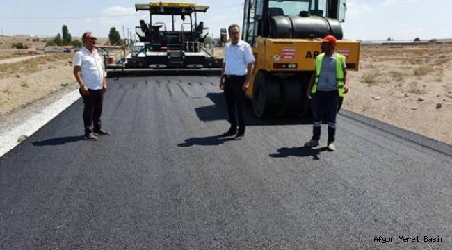 Köy Yollarına Önem Veriliyor