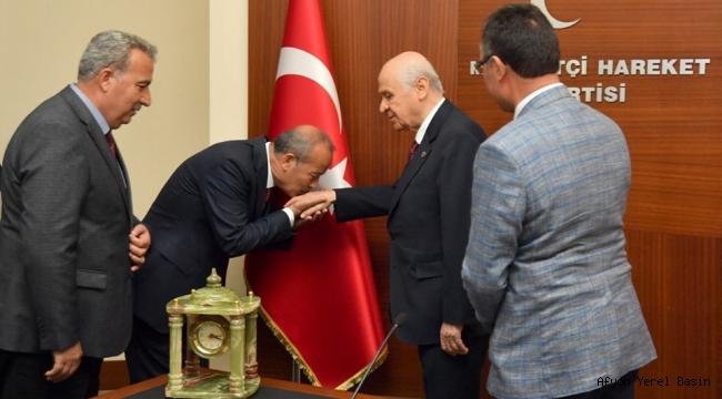 Milletvekili Taytak, MHP'li başkanları heybesi dolu gönderdi