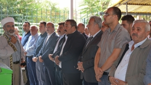 Mustafa Karahan'ın Abisinin Cenaze Törenine Büyük Katılım