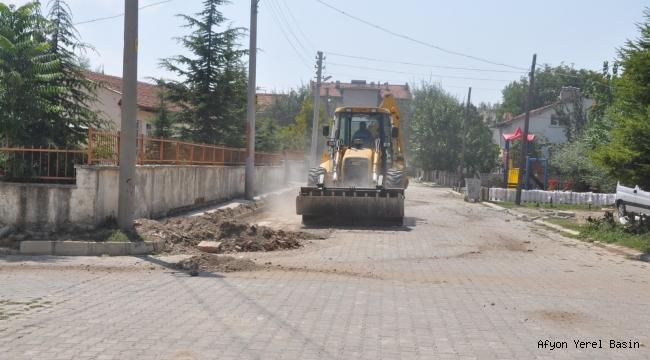 Sinanpaşa'da çalışmalar devam ediyor..