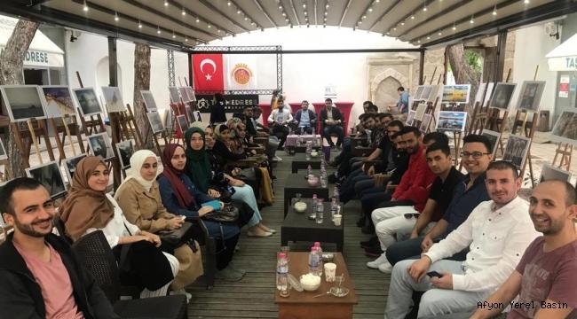 AK Gençler yabancı uyruklu öğrencilerle buluştu