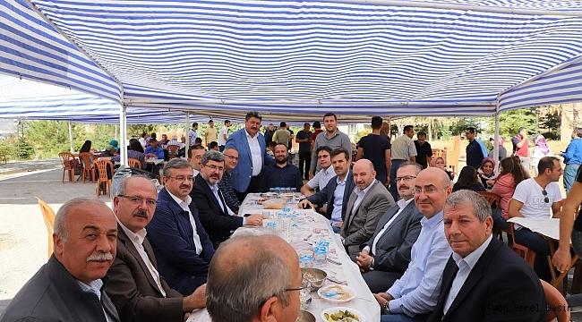Muharrem Özkaya ve Mv. Ali Özkaya Mevlüd-i Şerif Okuttu