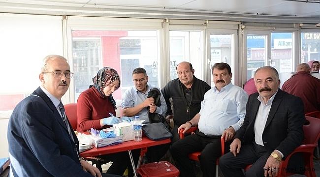 Başkan Sarı Türk Kızılay'ına Kan Bağışında Bulundu