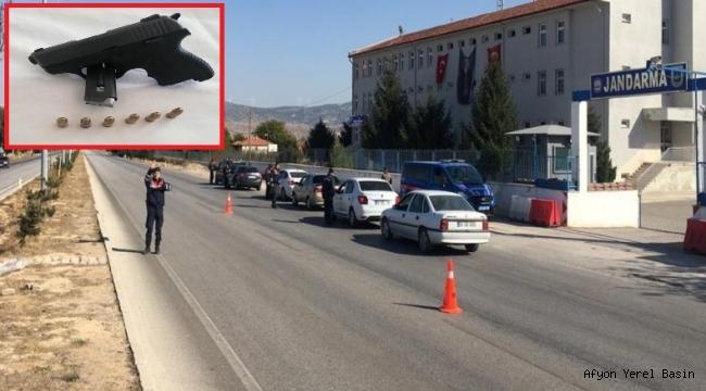 JANDARMA EKİPLERİ SİLAHA EL KOYDU.!!