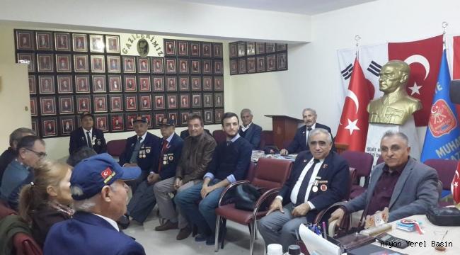 Kıbrıs gazilerimize CHP den ziyaret..