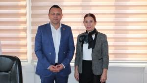 Münire Burcu Türk Kızılay'ı Afyonkarahisar Şubesini ziyaret etti..