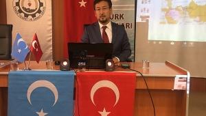 Doğu Türkistan Milli Meclisi Başkanı Seyit Tümtürk Konferans verdi