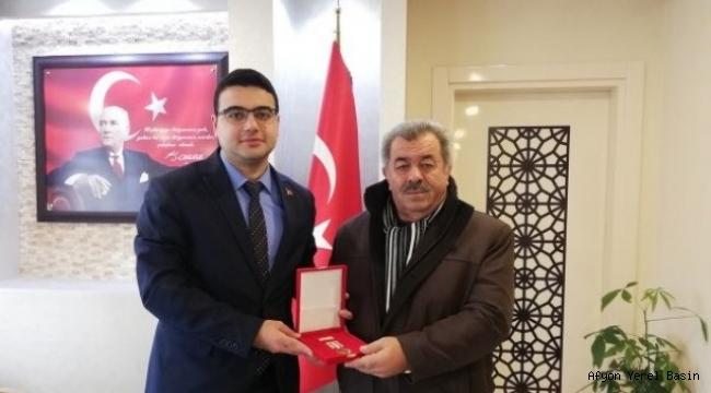 Kıbrıs Gazisine Madalya..