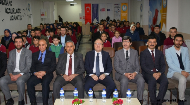 Kitap Kurtları Ödüllerini Vali Mustafa Tutulmaz'dan aldı