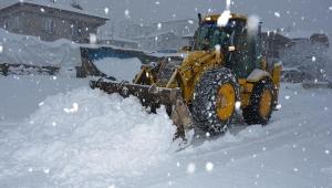 Şuhut Belediyesi Ekipleri Karla Mücadele Çalışmaları Tam Gaz Devam Ediyor