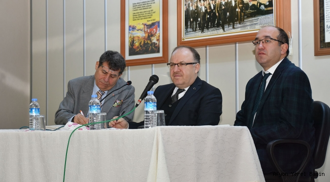 Vali Tutulmaz Yılın İlk Muhtarlar Toplantısını Sandıklı'da Yaptı