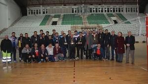 Dinar'da Voleybol Turnuvası sona erdi