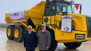 Milletvekili Taytak yerli kaya kamyonu 'DEVE'yi test etti