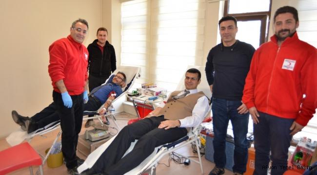 Sağlık Müdürlüğü personeli Kızılay'a kan bağışında bulundu