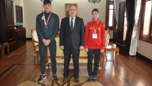 Vali Mustafa Tutulmaz Şampiyonları Ödüllendirdi