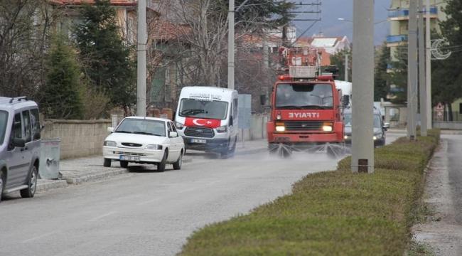 Şuhut Belediyesi Dezenfeksiyon Çalışmalarına Hız Verdi