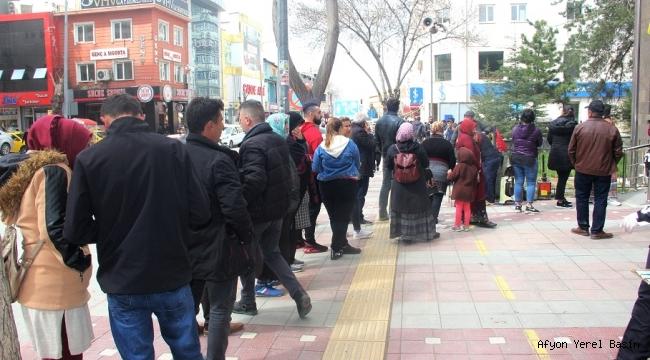 TEHLİKE BANKA VE PTT ÖNÜNDE..!!