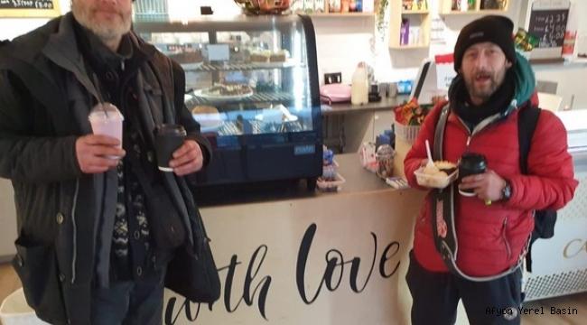 Cafe With Love binlerce evsize yemek ve içecek ikram ediyor