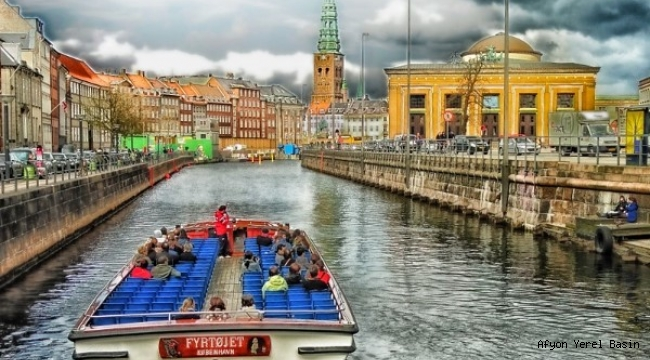 Danimarka'da birçok iş yeri tekrar açılıyor