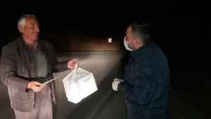 Emirdağ Belediyesi köylere maske ve eldiven dağıtıyor