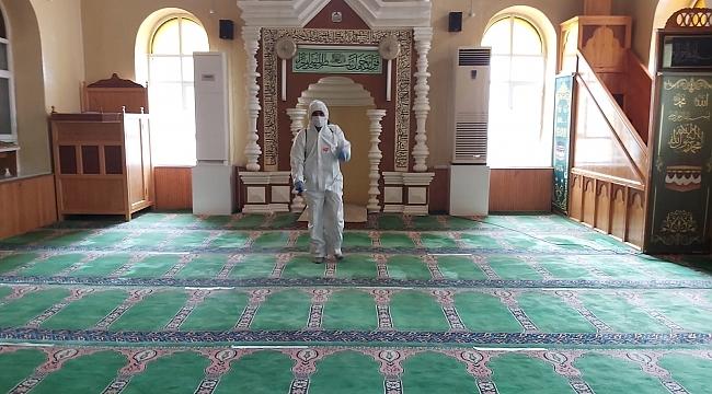 Dinar İlçesinde camiler dezenfekte edildi