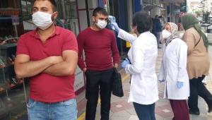 Sağlık Müdürlüğü, Afyonkarahisarlılara COVID-19 taraması yaptı.