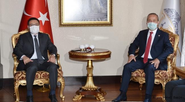 Vali Gökmen Çiçek Milletvekili Mehmet Taytak'ı ağırladı