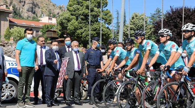 """Bisiklet Turu""""na Katılanlar Afyonkarahisar'dan Uğurlandı"""