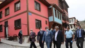 Demircan' Mehmet Zeybek'i Makamında Ziyaret Etti.