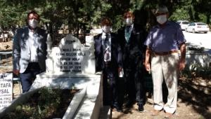 Tahsin Hoca Mezarı Başında Ziyaret Edildi.