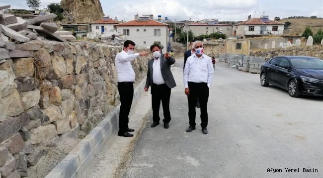 Yol yapımı ve onarım çalışmaları devam ediyor