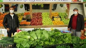 Dinar'da Organik Dörtyol Manavı Açıldı