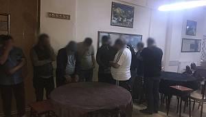 Polis Ekiplerinden Kaçak Kumar baskını.!