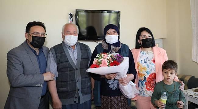 Vali Gökmen Çiçek ile eşi Sümeyra Çiçek'ten Anneler Günü'nde En Özel ve Anlamlı Ziyaretler