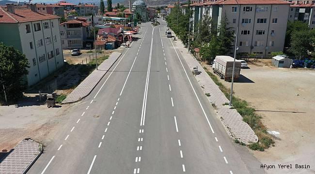 """Başkan Sarı, """"Trafik Güvenliği için Yol Çizgileri Yapılıyor"""""""
