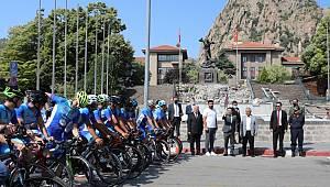Ömer Halisdemir 5. Ulusal Bisiklet Turu'na Katılan Sporcular Afyonkarahisar'dan Uğurlandı
