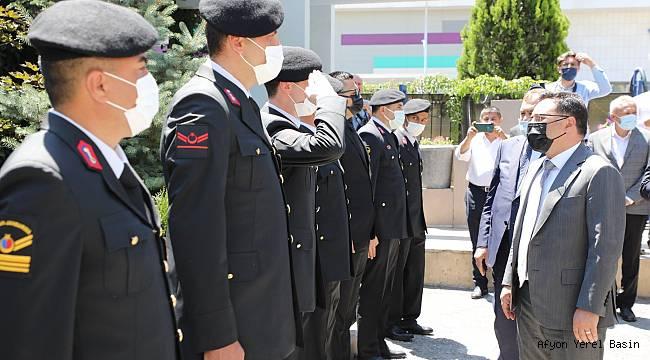 VALİ GÖKMEN ÇİÇEK JANDARMA PERSONELİNİN BAYRAMINI KUTLADI..