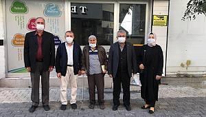 AK Parti heyeti yaşlıları unutmuyor