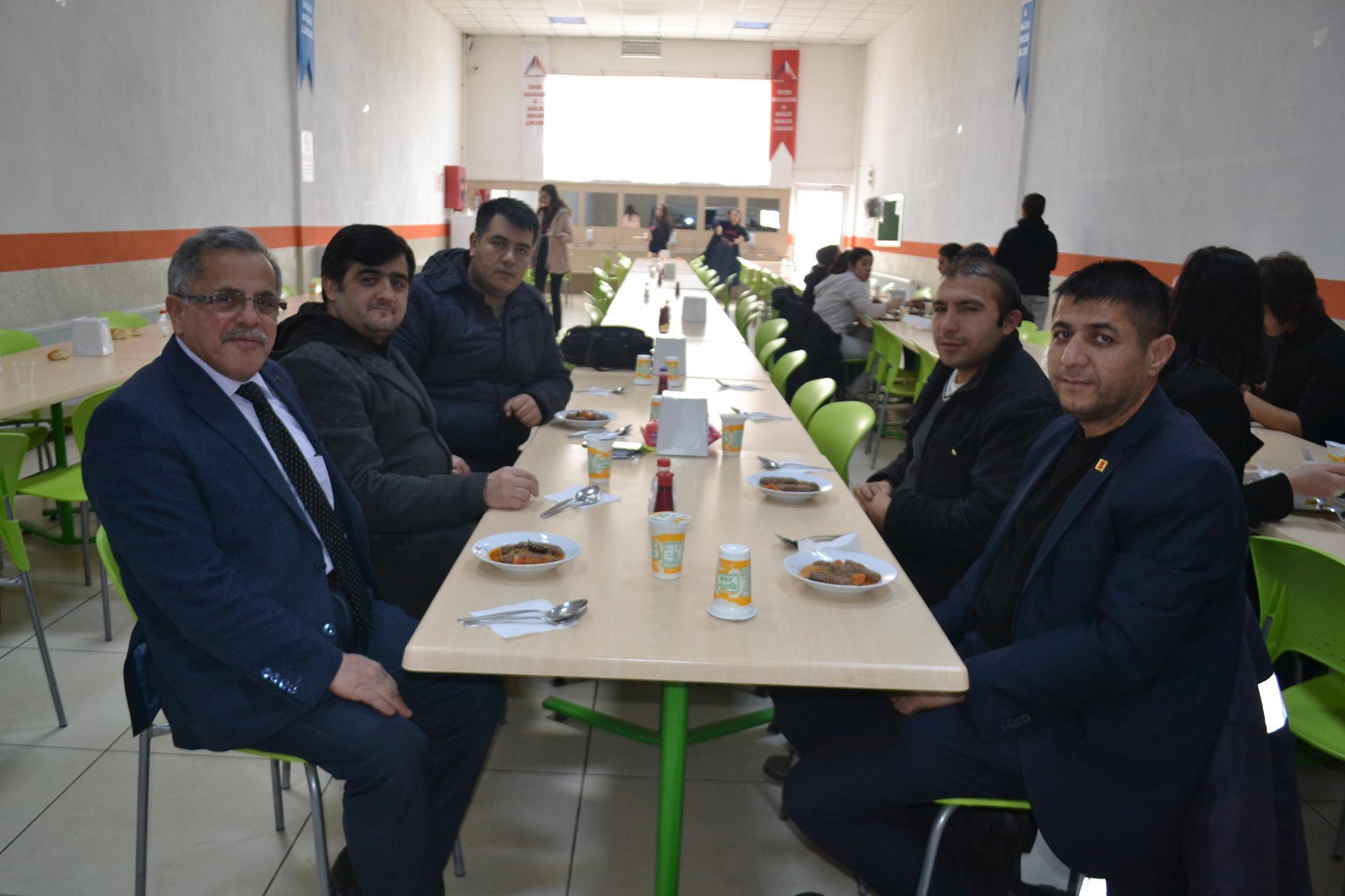 Afyon'daki İnternet Sitesi Sahiplerinden üstek Koleji'ne Ziyaret