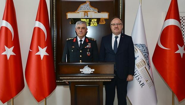 Orgeneral Arif çetin'den Vali Mustafa Tutulmaz'a Ziyaret
