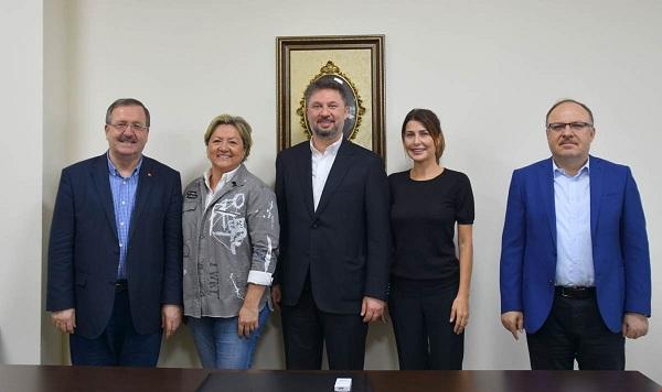 """Akü Uygulama Ve Araştırma Hastanesi """"hasta Bakımevi"""" Protokolü Vali Mustafa Tutulmaz'ın Katılımıyla İmzalandı"""