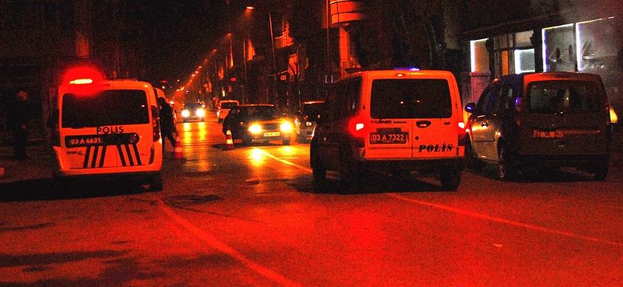 Afyon Polis'i çok Başarılı, 2 Dakikada 2 Kişi Gözaltında