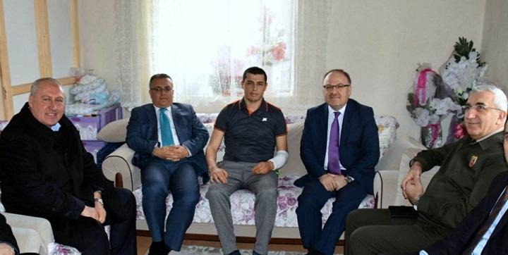 Vali Mustafa Tutulmaz Afrin Gazisini Ziyaret Etti