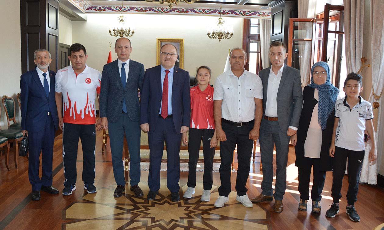 Milli Sporcu Eda Nur Vali Tutulmaz'ı Ziyaret Etti