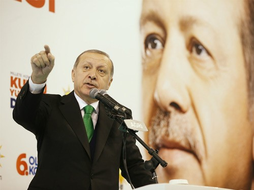 """""""deaş'ı Kim Kurdu, Silahlandırdıysa; Ypg-pyd'yi De Onlar Donatıyor, Yönetiyor"""""""
