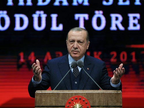 """""""2017 Yılında 1,5 Milyon Kişiye İlave İstihdam Sağlanması, Türkiye İçin Bir Rekordur"""""""