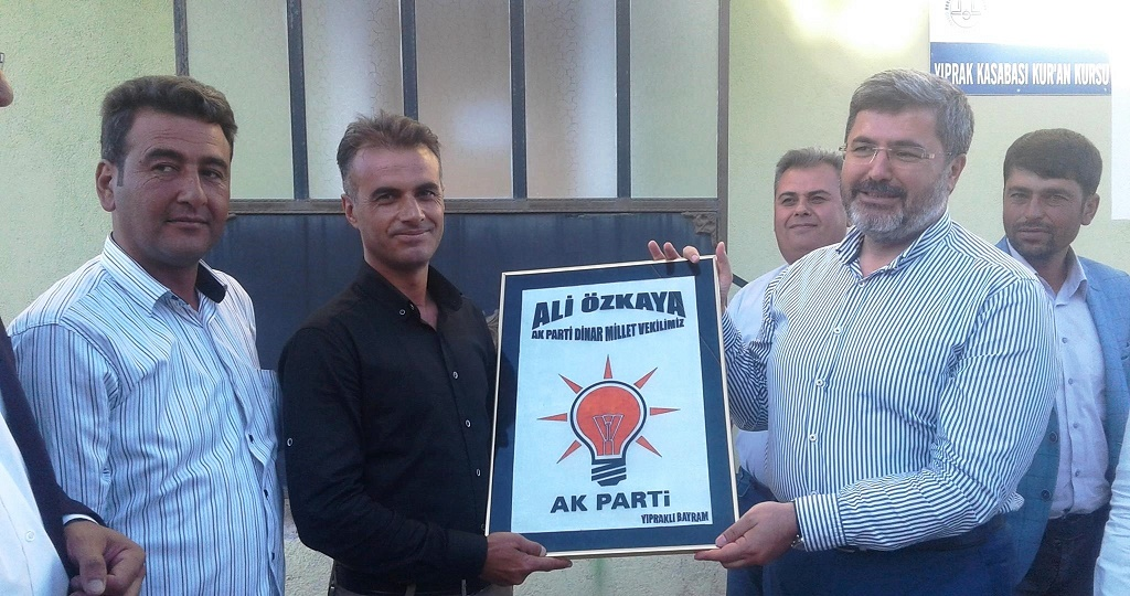 Milletvekili özkaya, Yıprak'da Vatandaşlarla Bayramlaştı