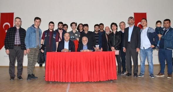 Vali Tutulmaz Yazar İhsan Süreyya Sırma'nın İmza Etkinliğine Katıldı
